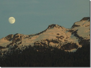 05-29-07 Moonrise over Mt Pilchuck 003
